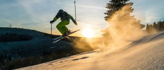 prevent skiing injuries