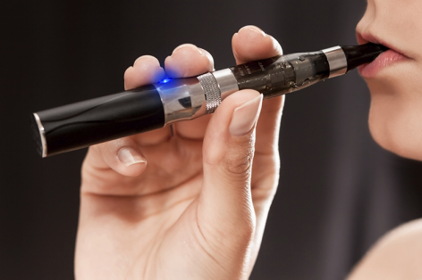 Infographic: The Dangers of E-cigarette