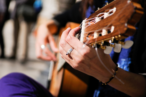 Benefits of Music Therapy & Therapeutic Music for Patients
