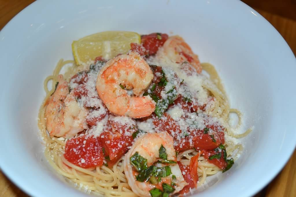 Pan-Seared Basil Shrimp with Multigrain Pasta