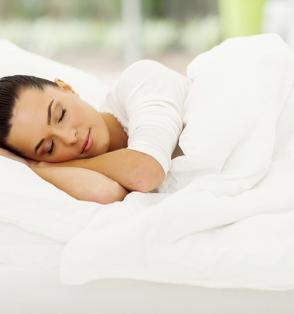 woman-sleeping-comfortably