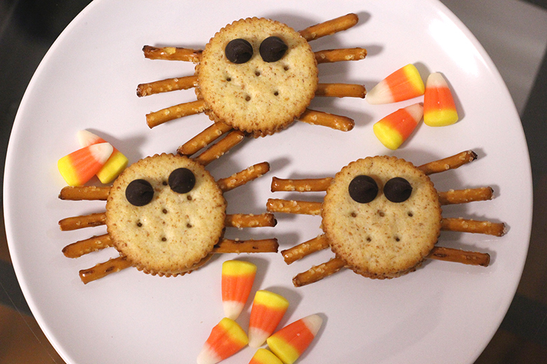 Healthy Halloween Treats - Spider Crackers