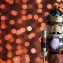 Nutcracker's disease affects a person's veins and arteries