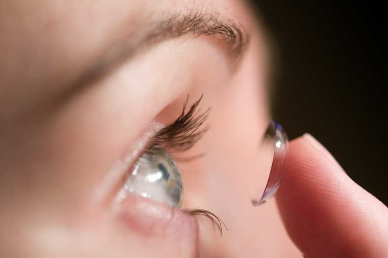 When is the right age to wear contact lenses?