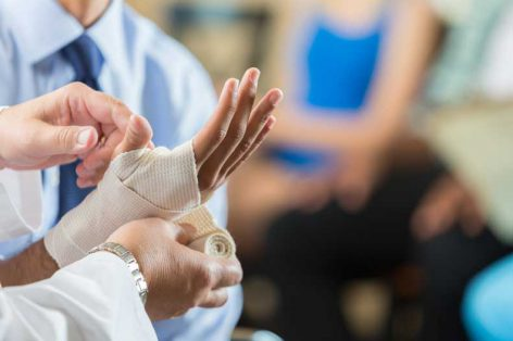 How to Wrap a Wrist Sprain in 5 Simple Steps