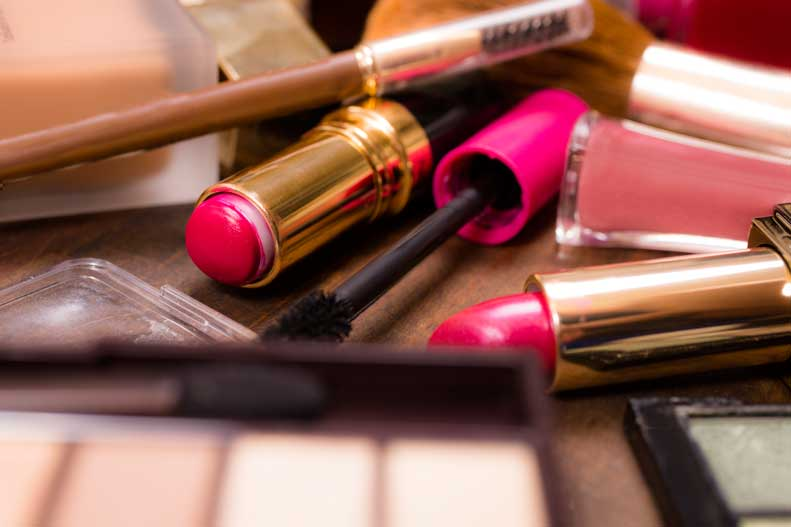 Are your makeup brushes causing your acne?