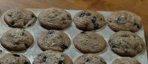 Learn how to make healthy blueberry oatmeal muffins